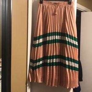 Pleated Midi Akira skirt